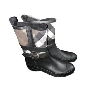 Burberry Holloway Pattern Buckle Rain Boots NWOT